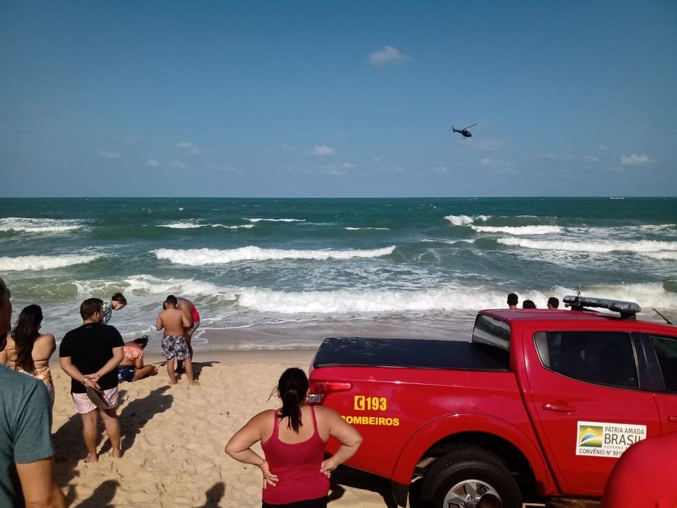 Duas pessoas morrem afogadas em praia do RN e adolescente de 15 anos está desaparecida; bombeiros fazem buscas