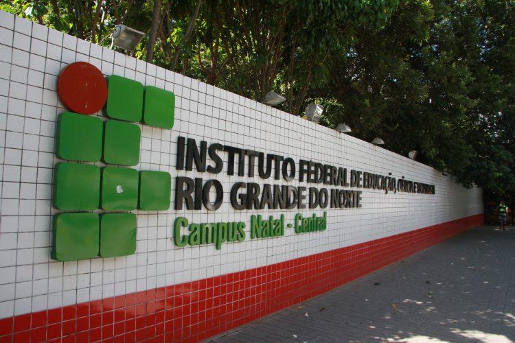 MEC autoriza aulas a distância em escolas técnicas federais