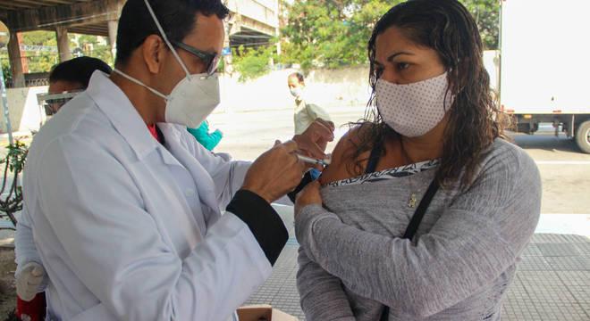 País tem surto de sarampo e revive febre amarela durante a pandemia